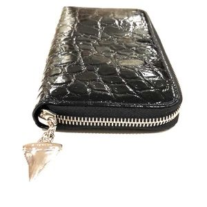 Givenchy NWOT shark tooth charm continental wallet